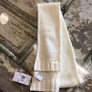 Michael Kors cream cable knit scarf